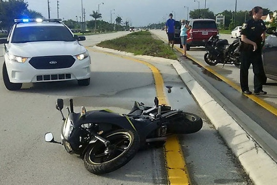 Strangers help Bonita Springs woman after motorcycle crash